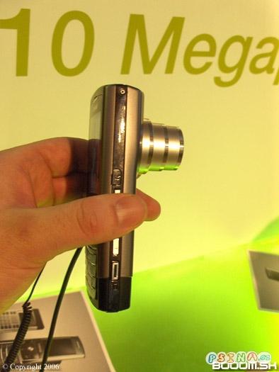 mobil-s-10ti-megapixelem.jpg